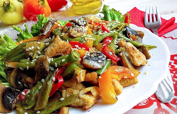 Baked Chicken with Vegetables and Mushrooms