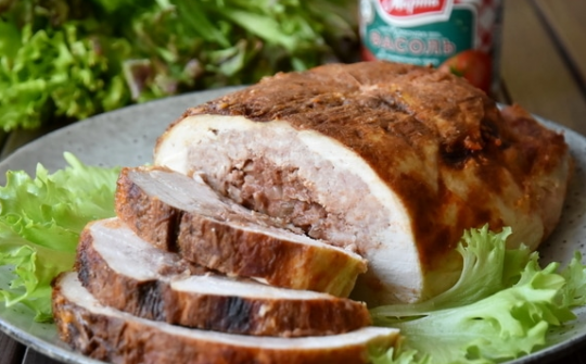Galantine of chicken with beans and mushrooms
